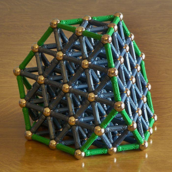 Конфета из магнитного конструктора