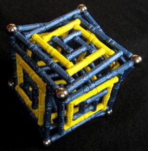 Куб из магнитного конструктора